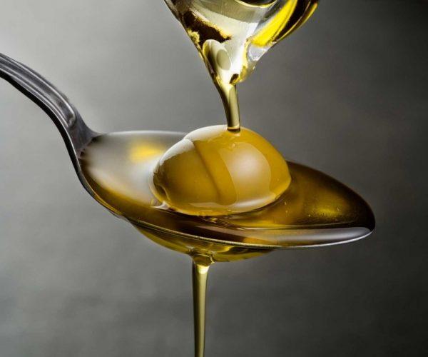 Extra-virgin-olive-oil-1030x688